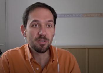 Julien Bédouet décrypte l'arnaque à l'investissement dans le Parking et garage