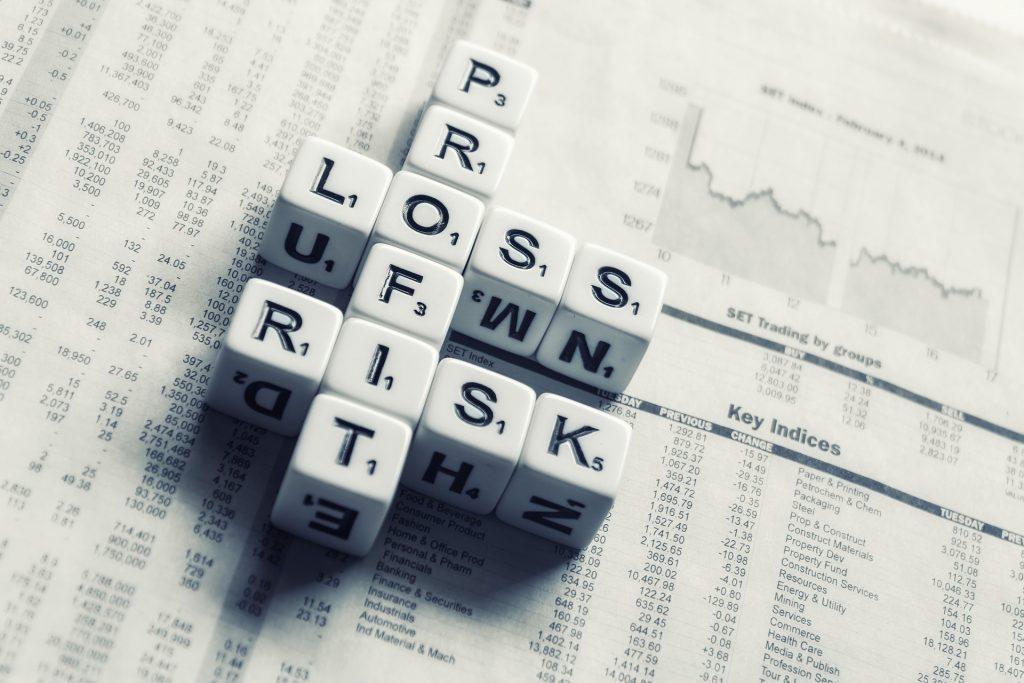 Le trading est une activité risquée, surtout quand on choisit un courtier qui n'est pas régulé. Il faut préférer un courtier régulé.